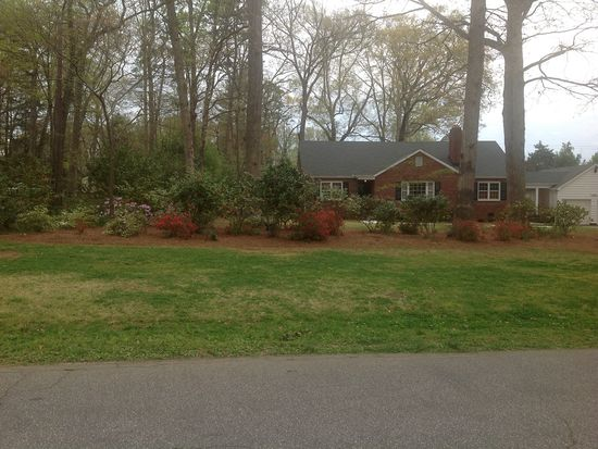 30 Wedgewood Dr, Greenville, SC 29609