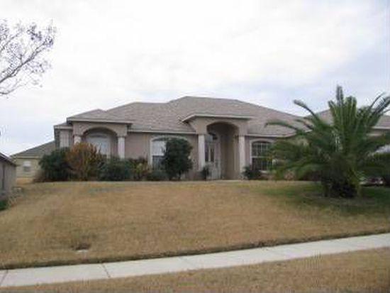 415 Regatta Dr, Groveland, FL 34736