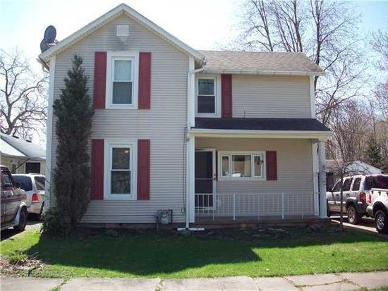 339 Oak St, Youngstown, NY 14174