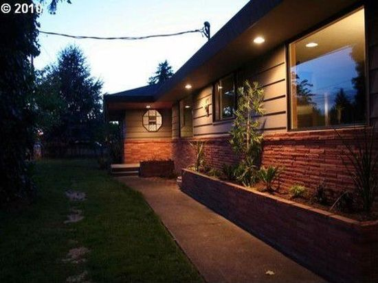 11239 E Burnside St, Portland, OR 97216