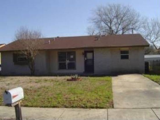 5018 Village Path, San Antonio, TX 78218
