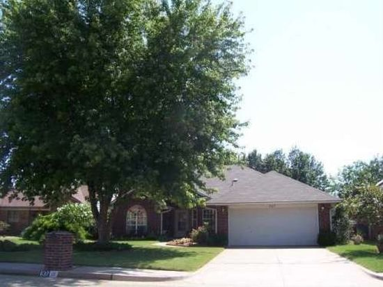 637 Old English Rd, Edmond, OK 73003