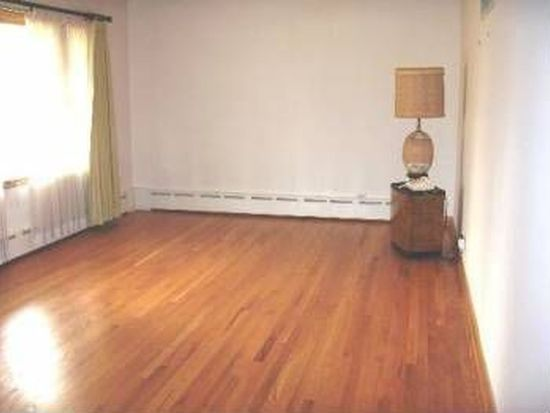4220 Venard Rd, Downers Grove, IL 60515