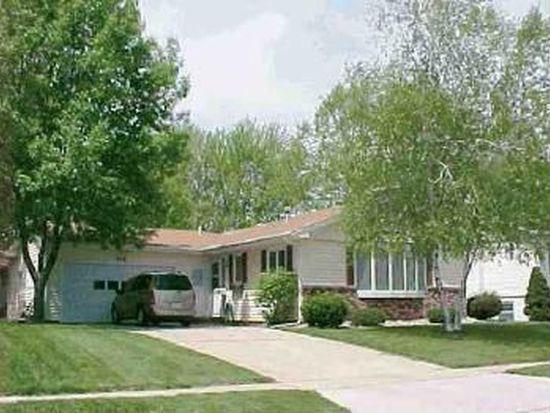 119 Magnolia Dr, Cedar Falls, IA 50613