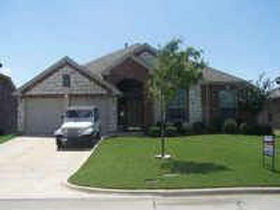 703 Fannin Ln, Mansfield, TX 76063