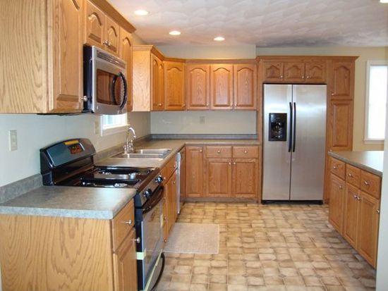 114 Lynn St, Peabody, MA 01960