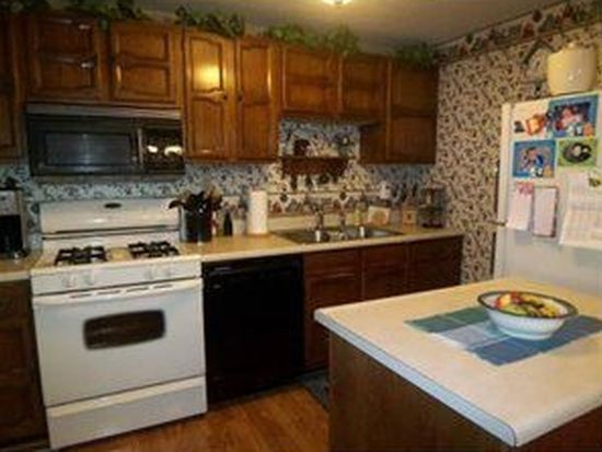 3708 Clearview Dr, Hermitage, PA 16148