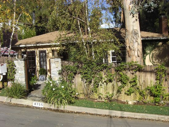 8755 Lookout Mountain Ave, West Hollywood, CA 90046