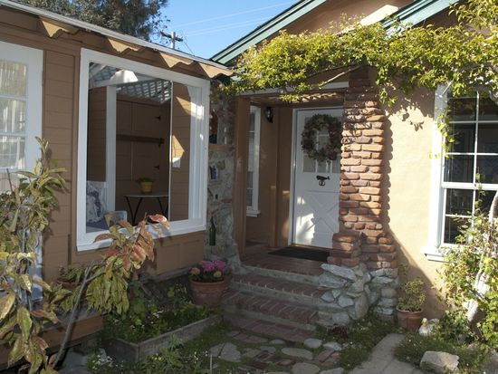 456 Gibson Ave, Pacific Grove, CA 93950