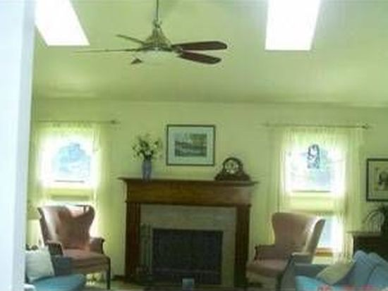 23969 Cottage Trl, Olmsted Falls, OH 44138