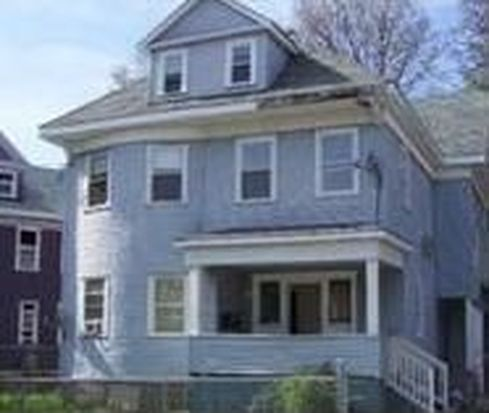 37 Bradlee St, Dorchester Center, MA 02124
