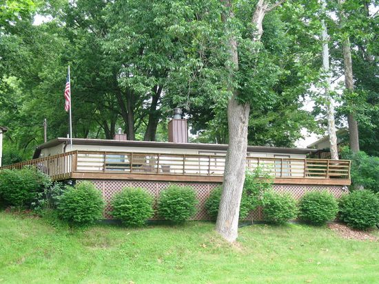 7700 N Lakewood Dr, Unionville, IN 47468