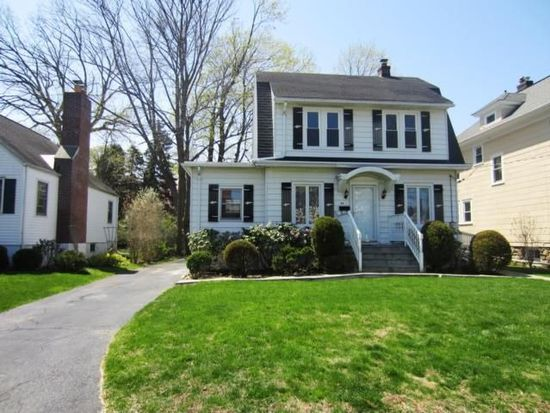 34 Lakeview Ave, Hartsdale, NY 10530