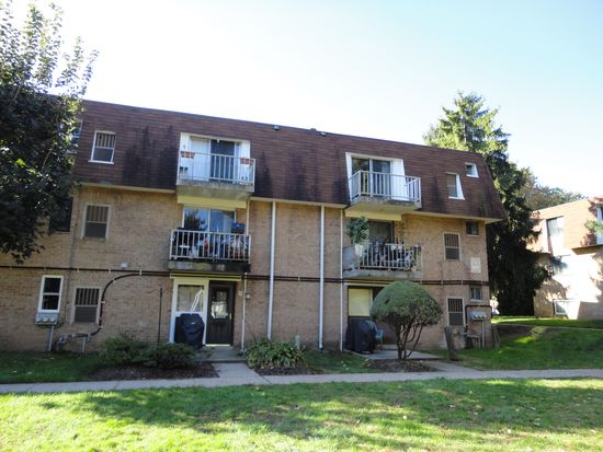 885 York Rd APT 16B, Warminster, PA 18974