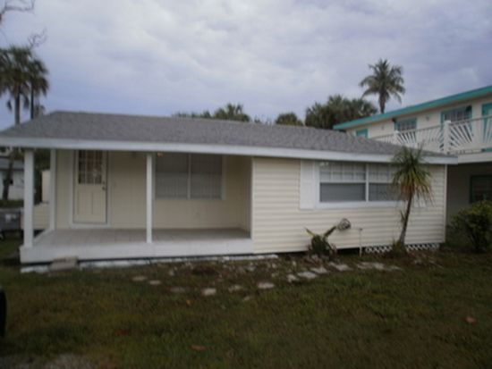 127 Washington Ave, Fort Myers Beach, FL 33931
