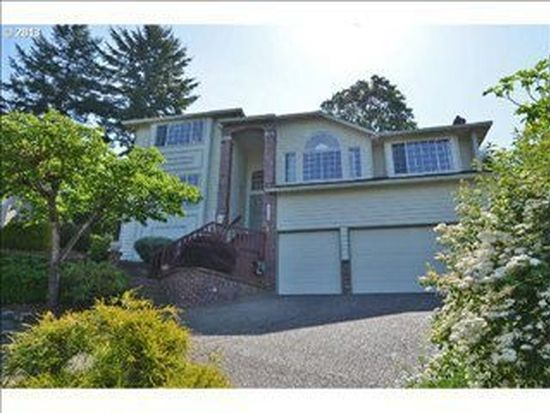 9328 SE Philips Pl, Happy Valley, OR 97086