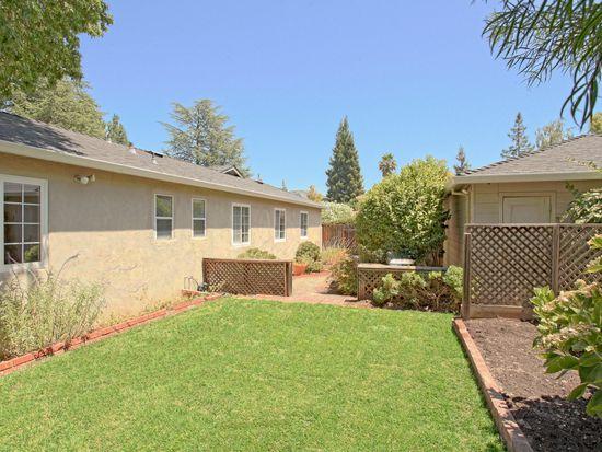 17630 Daves Ave, Monte Sereno, CA 95030