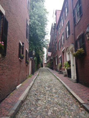 8 Acorn St, Boston, MA 02108