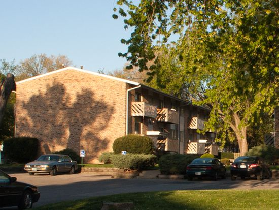 820 12th St APT 4, West Des Moines, IA 50265