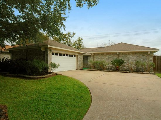 16723 Starboard View Dr, Friendswood, TX 77546