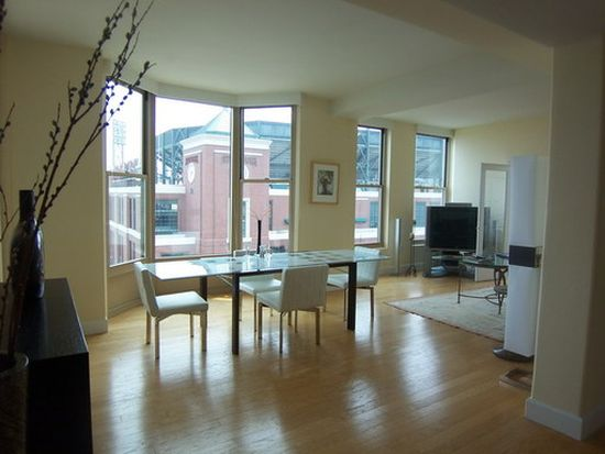88 King St APT 703, San Francisco, CA 94107
