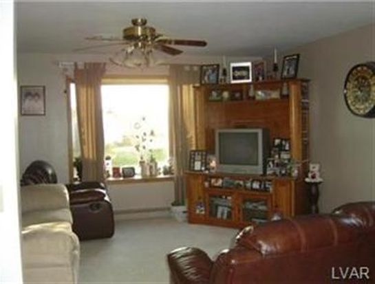250 Meadow Dr, Mohrsville, PA 19541