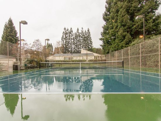 8 Alverno Ct, Redwood City, CA 94061