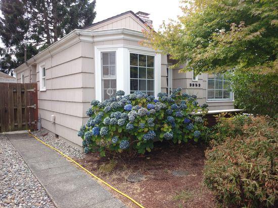 3953 SW Kenyon St, Seattle, WA 98136