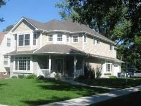 745 S Princeton Ave, Villa Park, IL 60181