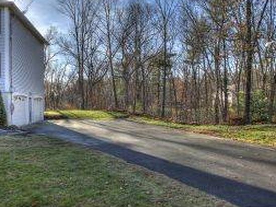 60 Castle Hill Rd, Windham, NH 03087