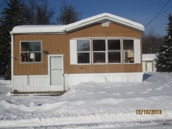 2 Willow Ct, Winchester, NH 03470