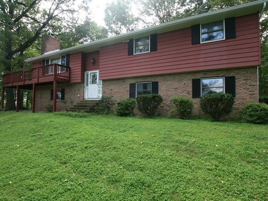 6164 Beverly Hills Rd, Coopersburg, PA 18036
