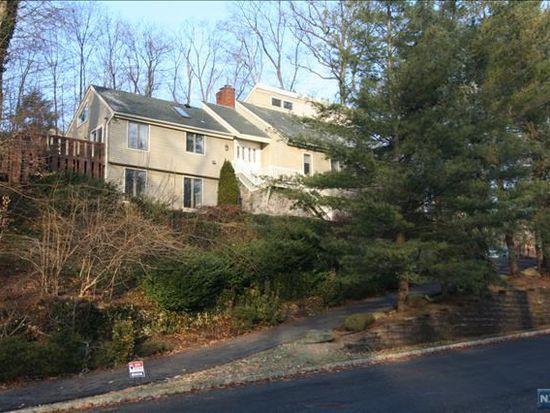 37 Berkshire Rd, Woodcliff Lake, NJ 07677