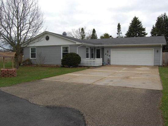 809 Roberts Rd, Sandwich, IL 60548