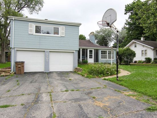 6505 Forest Ct, Windsor Heights, IA 50324