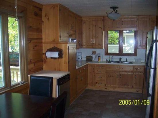 1330 W Green Lake Dr, West Bend, WI 53090