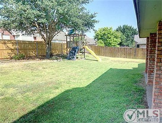 14 E Hillside Pl, Trophy Club, TX 76262