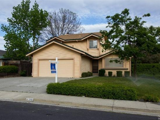 578 Tipperary Dr, Vacaville, CA 95688
