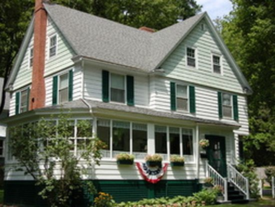 135 Taconic Ave, Great Barrington, MA 01230