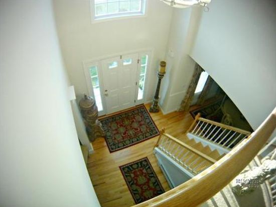 13 Lighthouse Ln, Westport, MA 02790