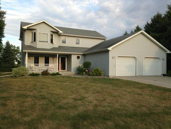 1515 21st St NW, East Grand Forks, MN 56721