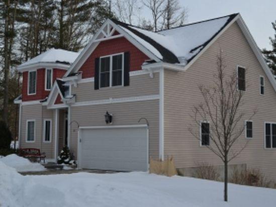 32 Sugar Plum Ln, Londonderry, NH 03053