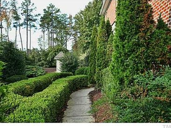 209 Chateau Pl, Chapel Hill, NC 27516
