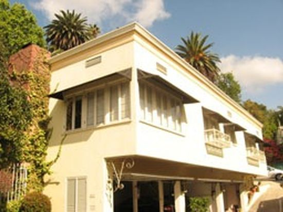 1326 Londonderry Place House, West Hollywood, CA 90069
