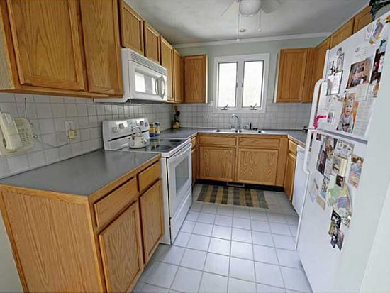 102 Governors Hl, West Warwick, RI 02893