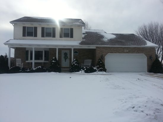 282 Castlewood Dr, Valparaiso, IN 46385