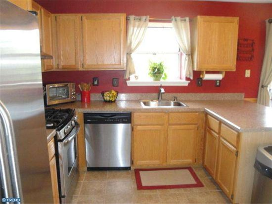357 Countryside Ct, Collegeville, PA 19426