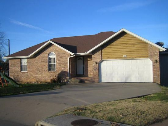 3605 W Page St, Springfield, MO 65802