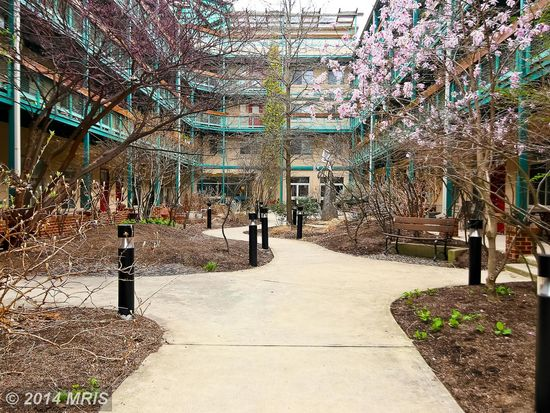 7981 Eastern Ave APT 102, Silver Spring, MD 20910