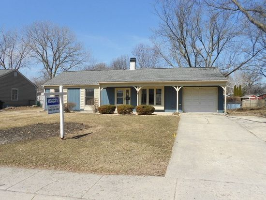 15 Old Post Rd, Montgomery, IL 60538